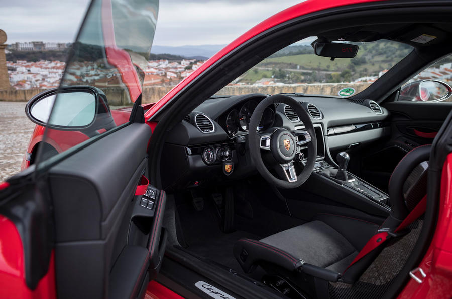 Porsche Cayman T 2019 first drive review - interior