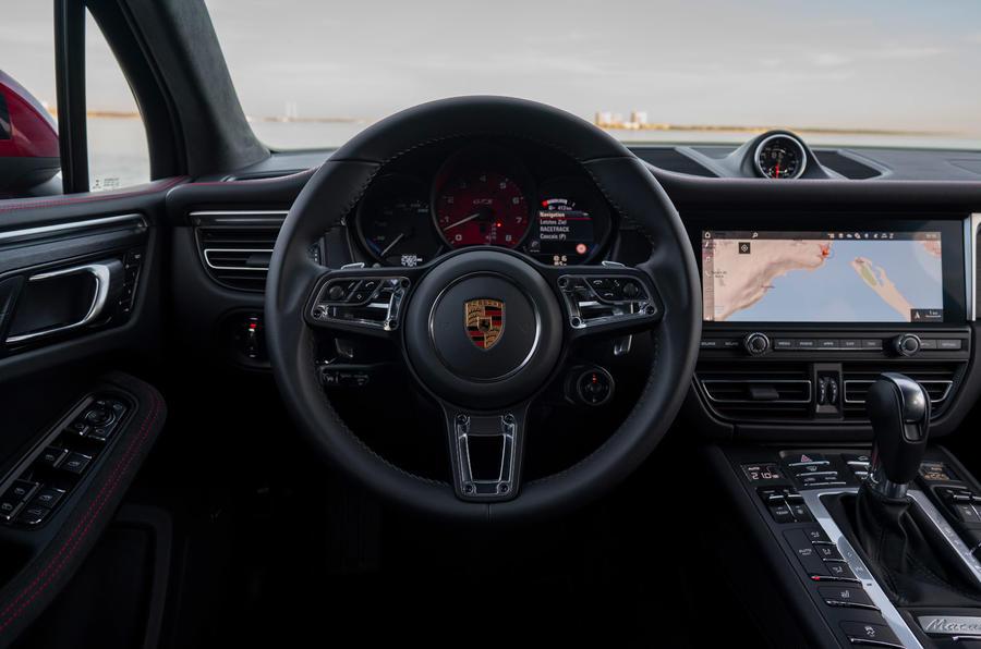 Porsche Macan GTS 2020 first drive review - steering wheel