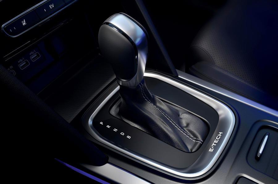 Renault Megane Sport Tourer E-Tech PHEV 2020 first drive review - gearstick