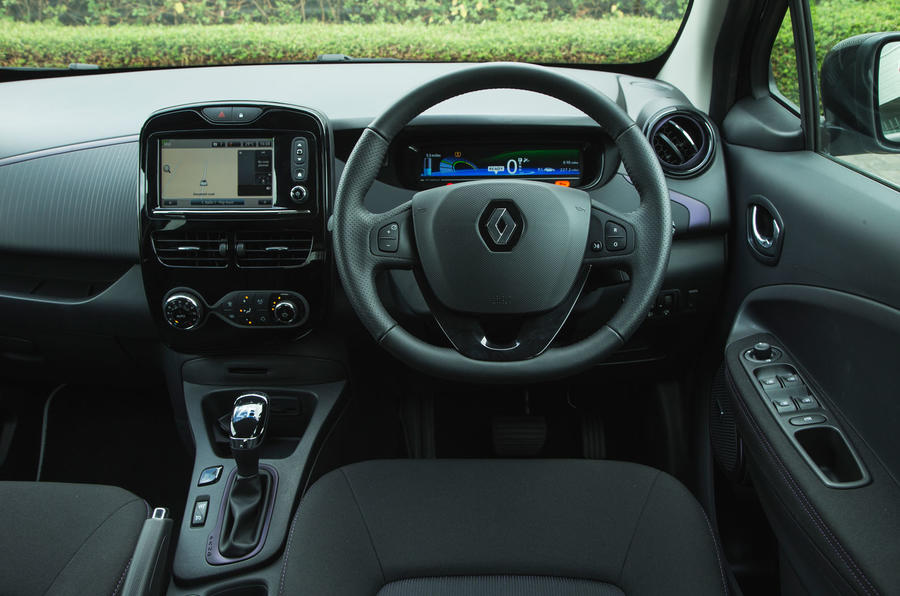 Renault Zoe R110 2018 UK first drive review dashboard