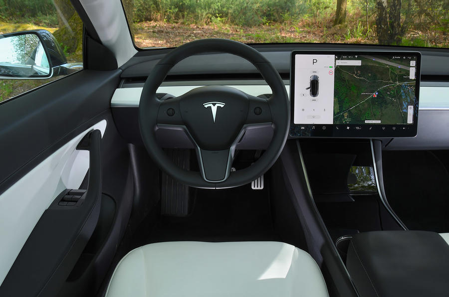Tesla Model 3 Performance 2019 UK first drive review - dashboard