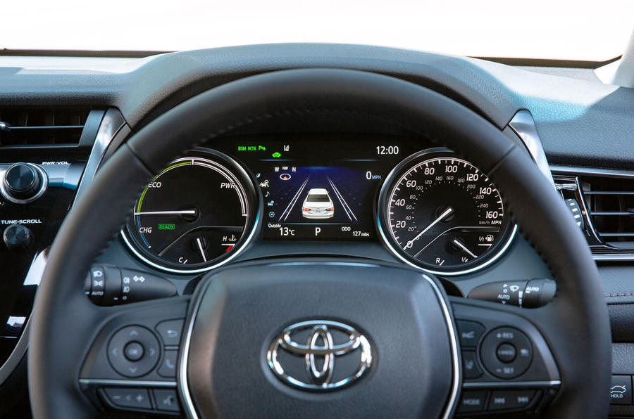 Toyota Camry 2019 UK first drive review - instruments