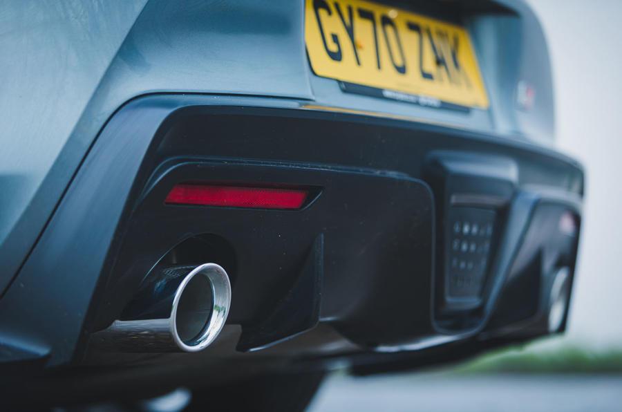 8 Toyota GR Supra 2 litres 2021 Premier examen des systèmes d'échappement au Royaume-Uni