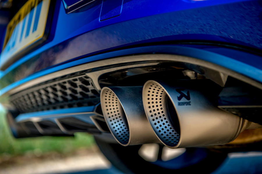 Volkswagen Golf R Performance Pack 2018 review exhaust