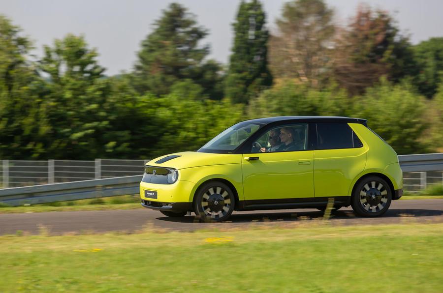 Honda e 2019 prototype drive - on the road