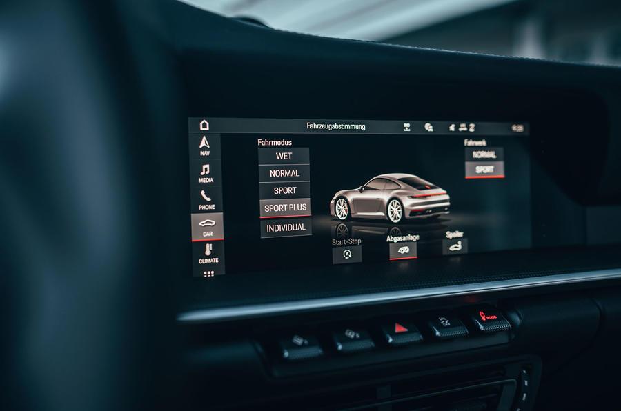 2019 Porsche 911 Carrera S track drive - infotainment