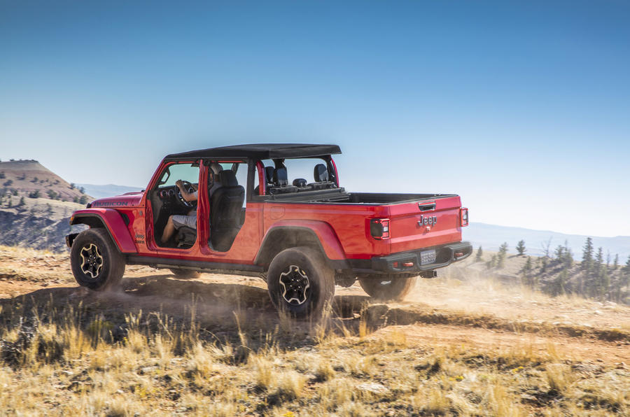 New Jeep Gladiator: heavy-duty pick-up launched | Autocar