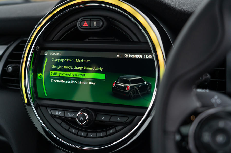 a month with a Mini Electric - infotainment
