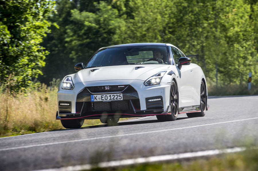Nissan GT-R Nismo 2020 official reveal - cornering front