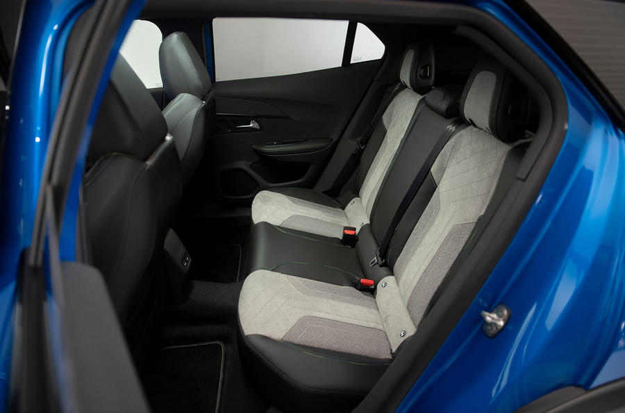 Peugeot e-2008 reveal studio - rear seats