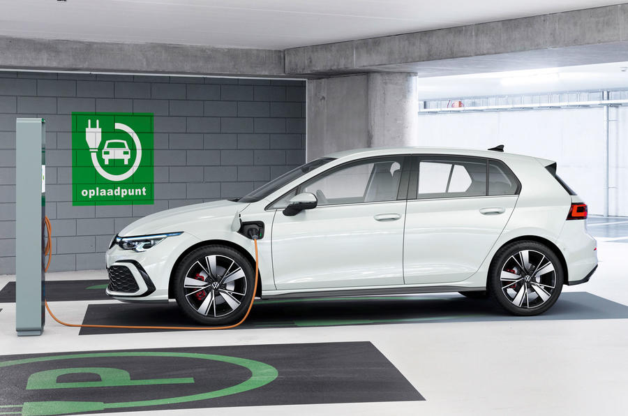 2020 Volkswagen Golf Mk8 official press - Golf GTE charging