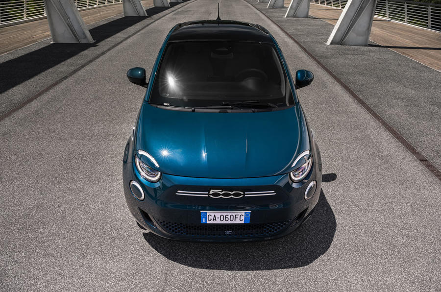 2020 - [Fiat] 500 e - Page 24 85-fiat-500e-2020-official-static-front