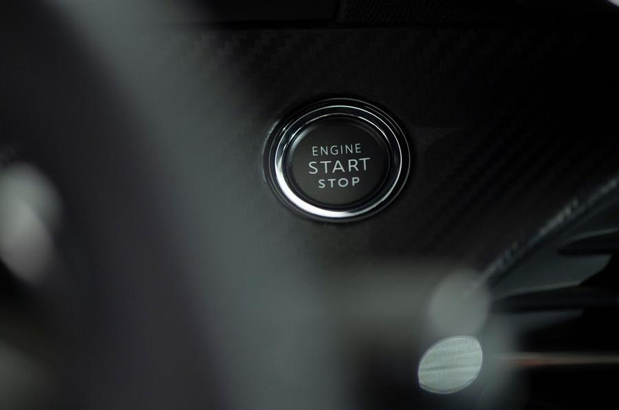 Peugeot e-2008 reveal studio - start button