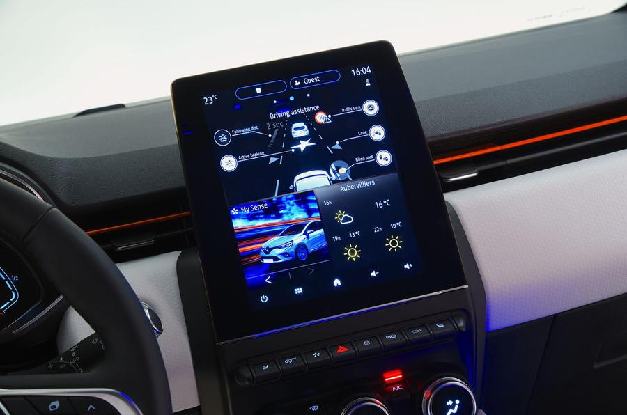 Renault Clio 2019 Autocar studio static - infotainment