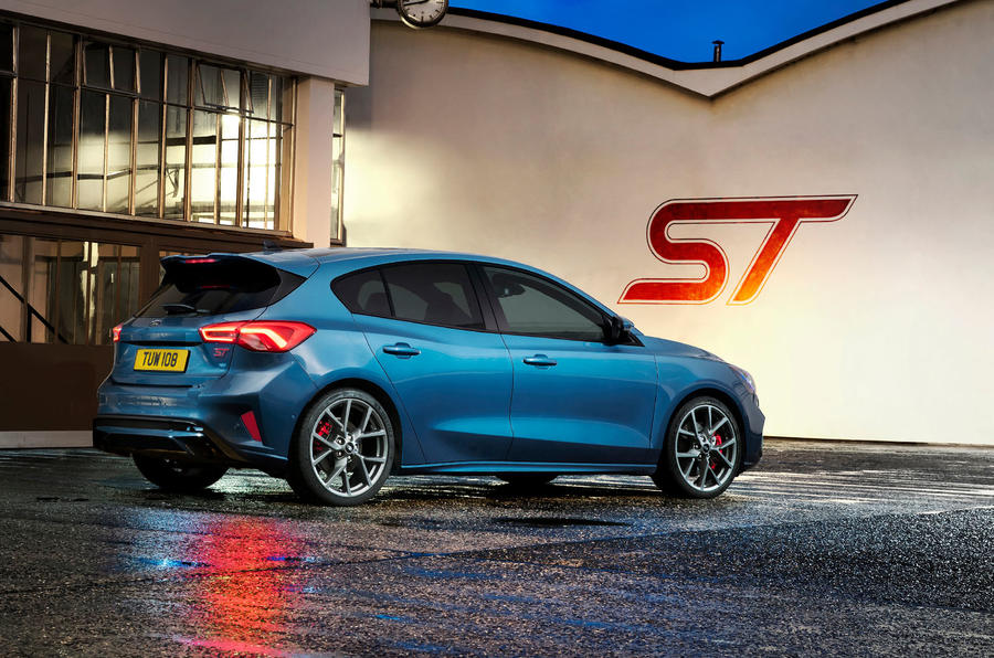 Ford Focus ST 2019 first ride - factory rear