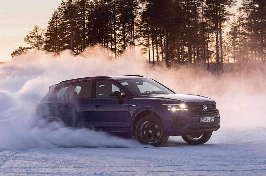 Volkswagen Touareg R 2020 official reveal images - drift