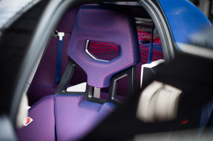 Citroen 19_19 concept official reveal - front seat cushioning