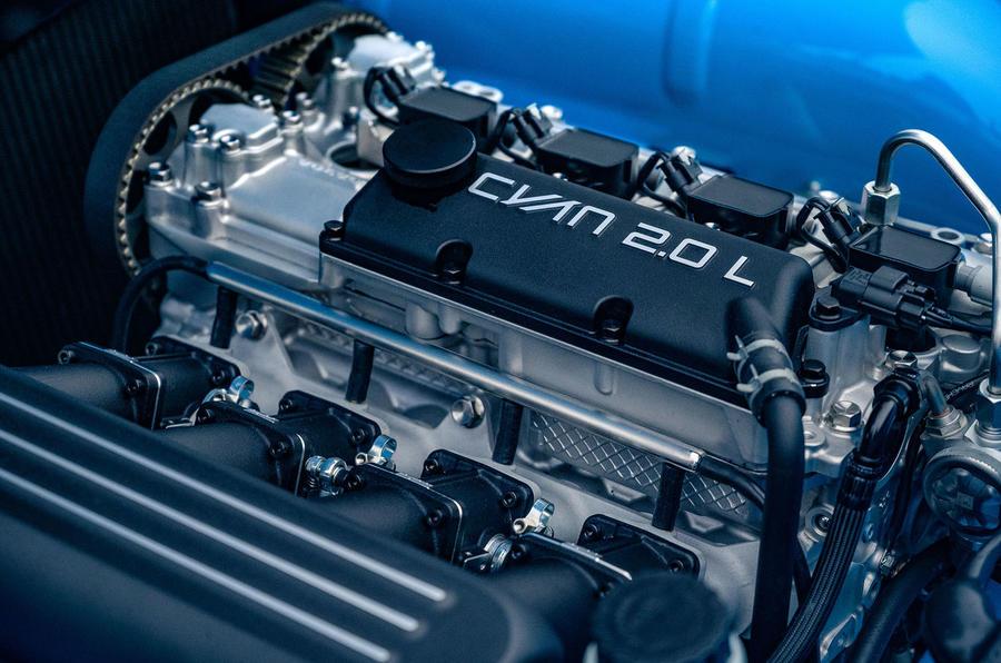 Cyan Volvo P1800 drive - engine