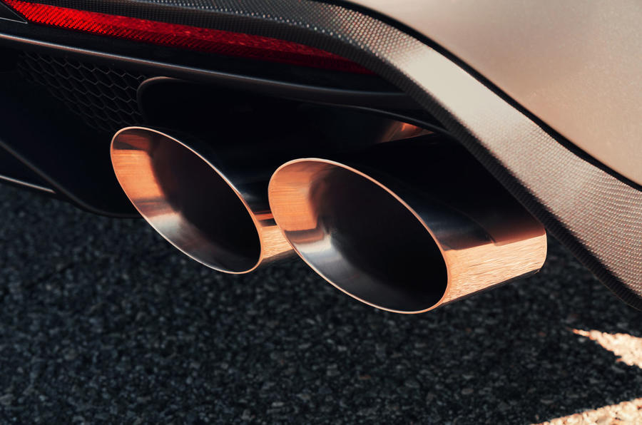 Ford Shelby Mustang GT500 official reveal - exhausts