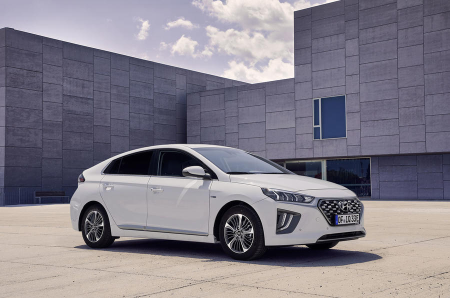 Hyundai Ioniq 2019 facelift official press - PHEV front