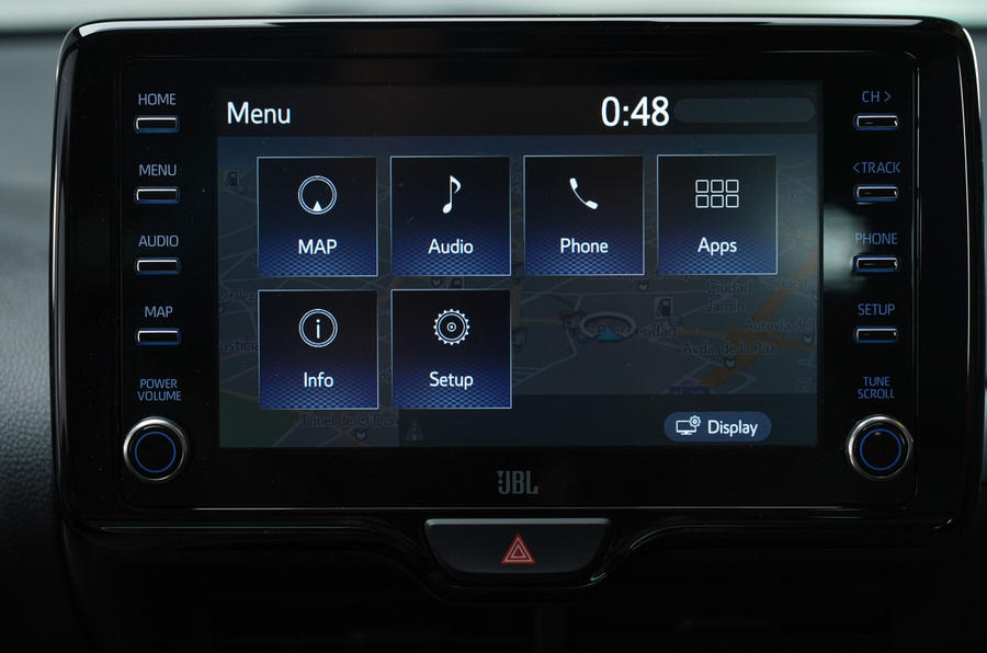 Toyota Yaris 2019 official studio - infotainment