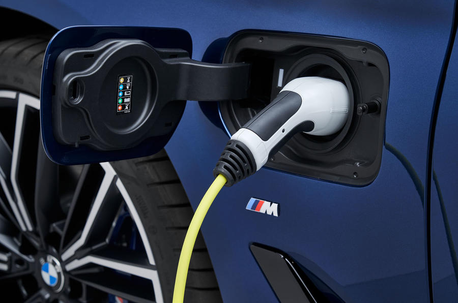 BMW 530e 2020 facelift official images - charging port