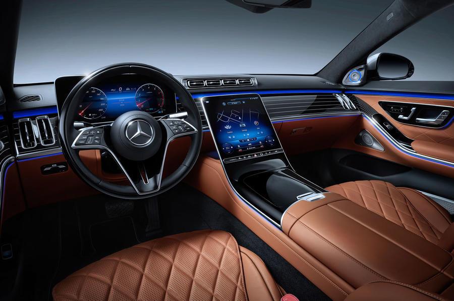 Mercedes S-Class dash