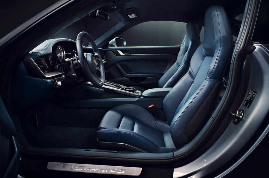 2019 Porsche 911 official reveal - press still seats