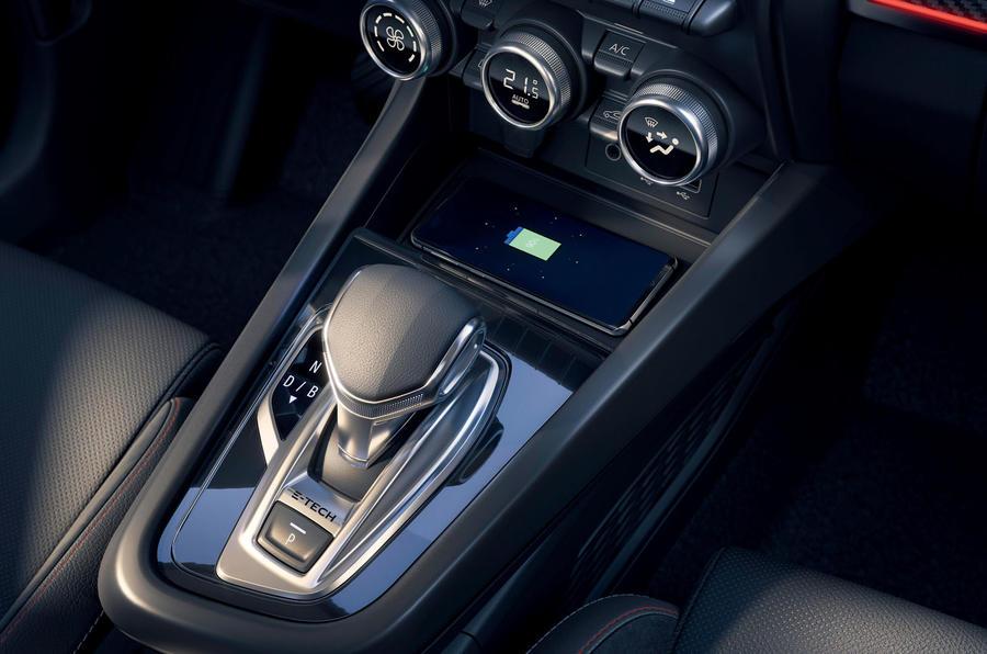 2021 Renault Arkana official European images - gearstick