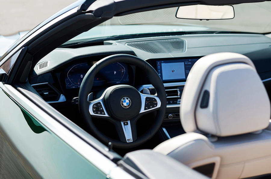 2021 BMW 4 Series Convertible official images - dashboard