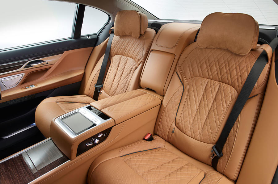 2019 BMW 7 Series official reveal - rear seats