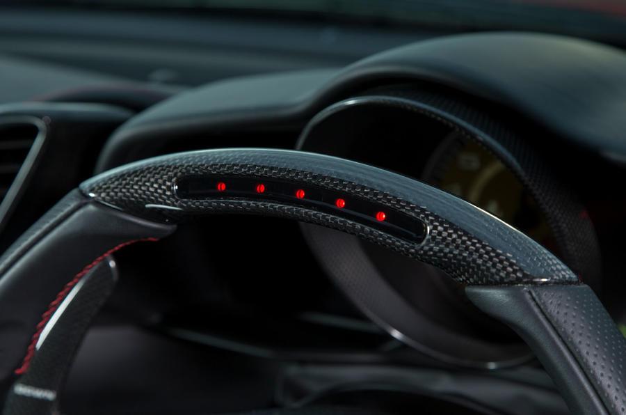 Ferrari 488 GTB rewind - shift indicator