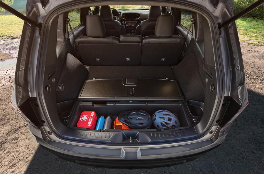 Honda Passport 2018 official reveal - rear storage