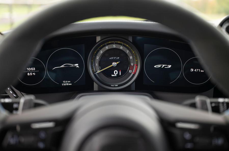 Porsche 911 GT3 2021 passenger ride - dials