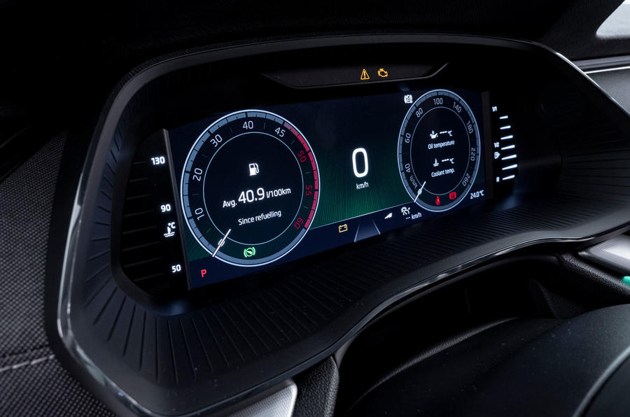 2020 Skoda Octavia official studio - instruments