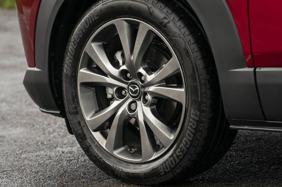 8 Mazda CX 30 Skyactiv X roue