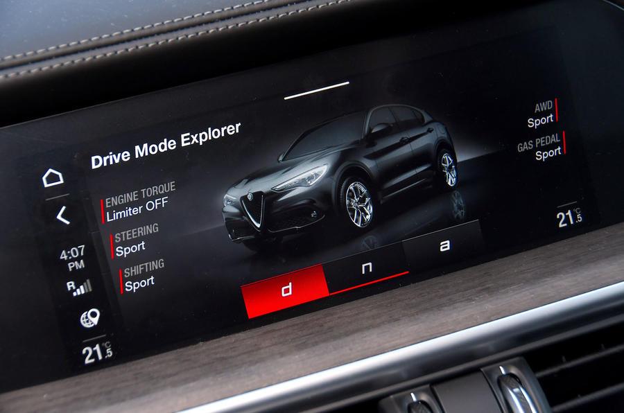 Alfa Romeo Stelvio Ti 2019 first drive review - drive modes