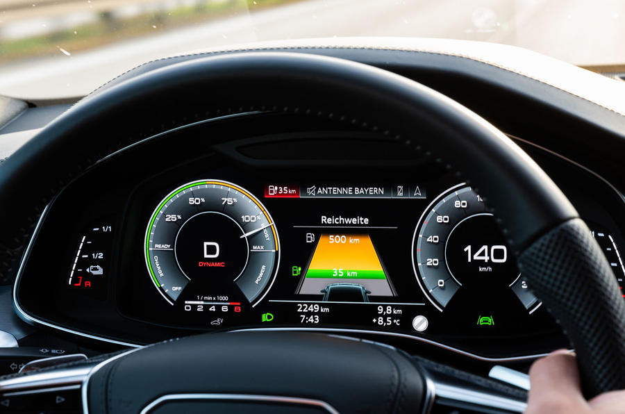 Audi A7 TFSI e 2019 first drive review - instruments
