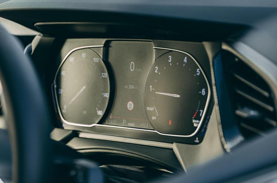9 BMW 1 Série 128ti 2021 : premiers instruments d'examen de conduite au Royaume-Uni