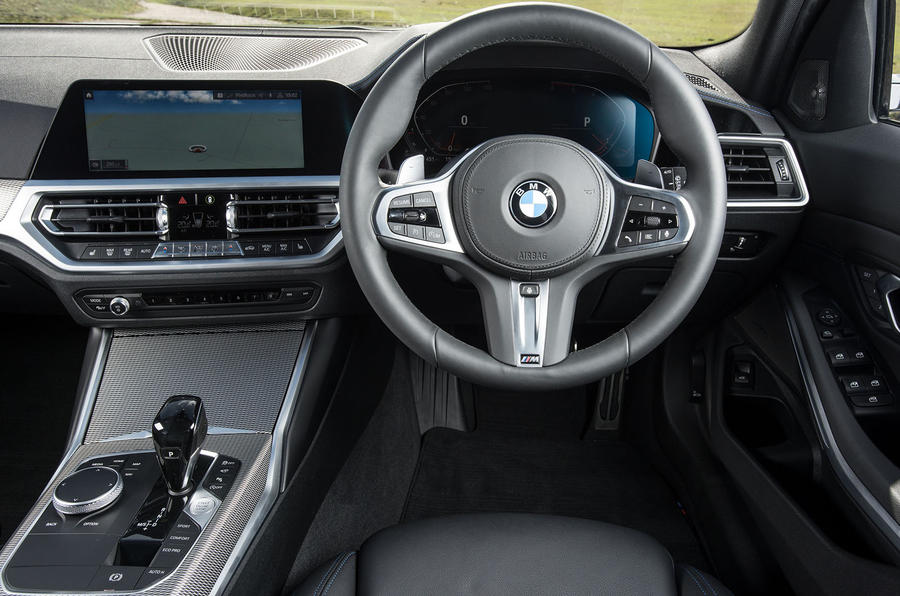 BMW 3 Series Touring 330d 2019 UK first drive review - steering wheel