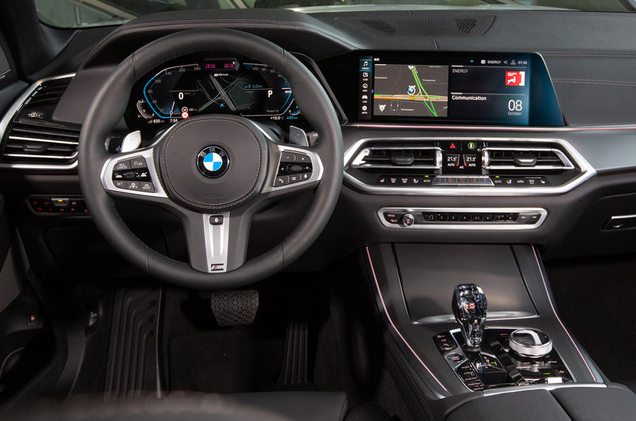 BMW X5 xDrive 45e 2019 first drive review - steering wheel