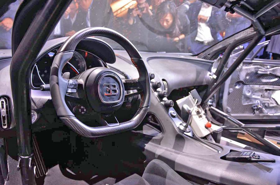 Bugatti Chiron Super Sport 300+ official debut - steering wheel