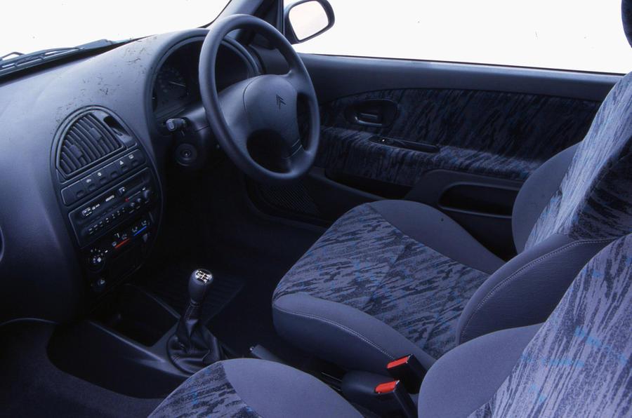 Citroen Saxo - interior