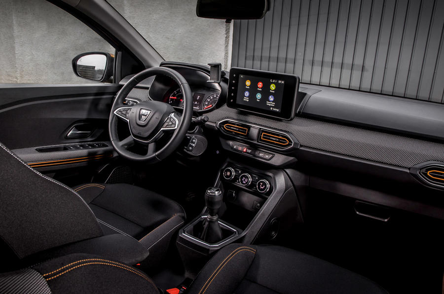 9 Dacia Sandero Stepway 2021 Première cabine d'examen de conduite au Royaume-Uni