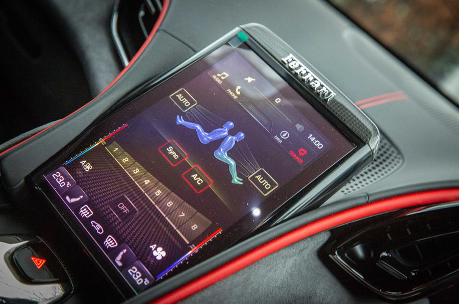 Ferrari Roma 2021 : premier bilan de conduite au Royaume-Uni - infotainment
