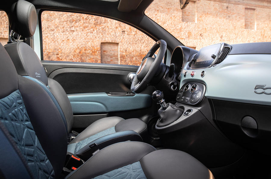 Fiat 500 Hybrid 2020 first drive review - cabin