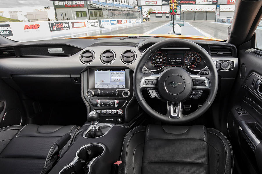 Ford Mustang GT 5.0 2018 UK review cabin
