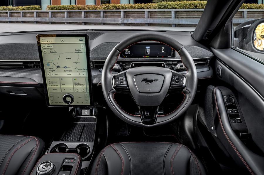 9 Ford Mustang Mach E 2021 UE : premier essai, tableau de bord.