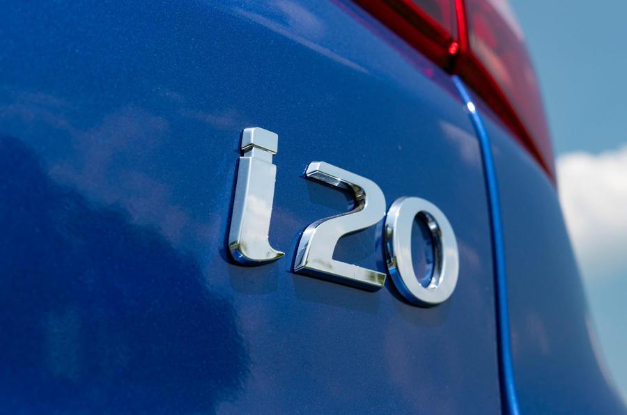 Hyundai i20 2018 review i20 badge