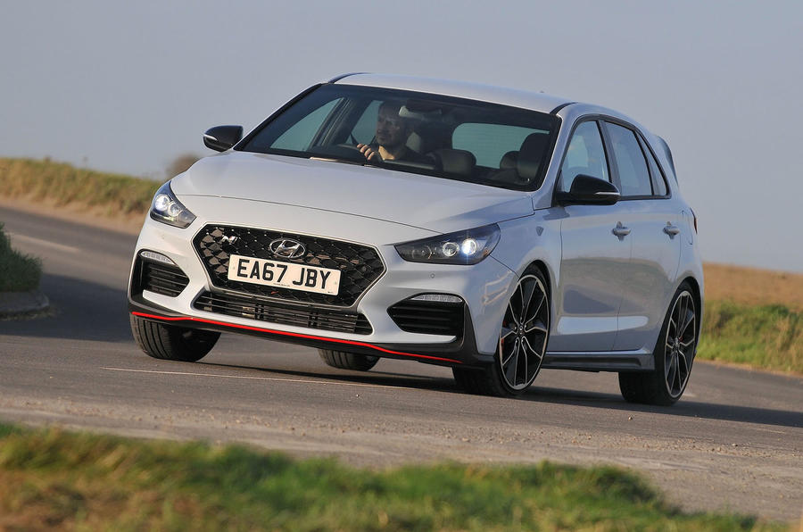 Hyundai i30 N 2018 UK review cornering front